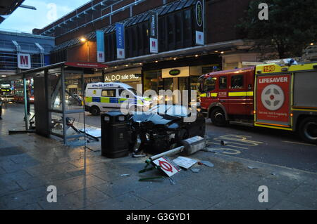 London, UK. 12th June, 2016. Police at the scene of a crash in the early hours of the morning on Wood Green High - Stock Photo