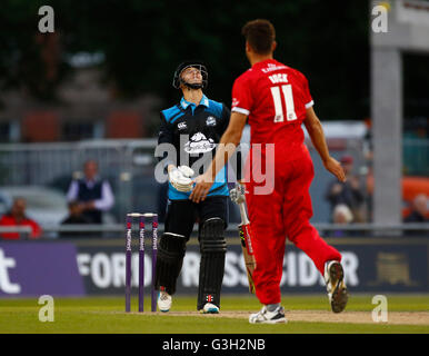 Old Trafford, Manchester, UK. 24th June, 2016. Natwest T20 Blast. Lancashire Lightning versus Worcestershire Rapids. - Stock Photo