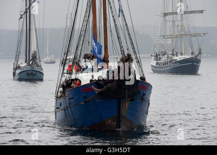 Kiel, Germany. 25th June, 2016. Sailing ships of all sizes on their way towards the Baltic Sea on the fjord in Kiel, - Stock Photo