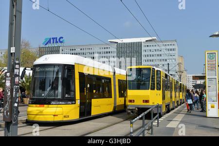 Strassenbahnen, Alexanderplatz, Mitte, Berlin, Deutschland