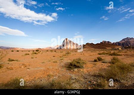 Desert landscape, Wadi Rum, Jordan - Stock Photo
