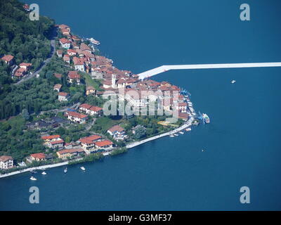 Iseo Lake, Italy. 12th June, 2016. Aerial view of Christo's 'The Floating piers' project are now completed but not - Stock Photo