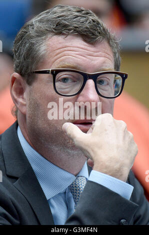 Bonn, Germany. 13th June, 2016. Publisher of the German tabloid 'Bild', Kai Diekmann, attends the awarding of the - Stock Photo