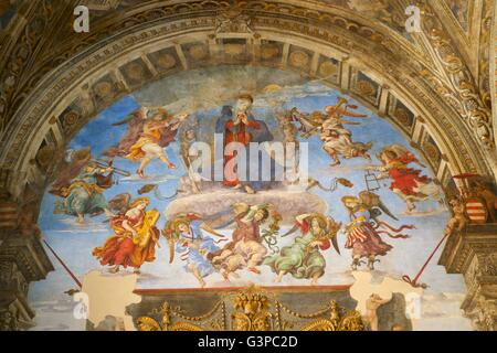 Assumption, by Filippino Lippi, Capella Carafa, Church of Santa Maria sopra Minerva, Rome, Lazio, Italy - Stock Photo
