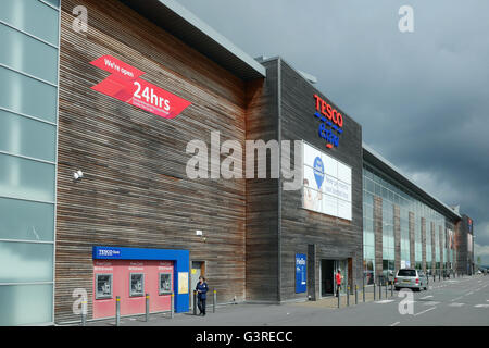 New Tesco Store at Burnt Tree Island, Dudley, West Midlands, England, UK - Stock Photo