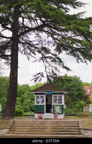 Bell Weir Lock keepers hut in Runnymede in Surrey UK - Stock Photo