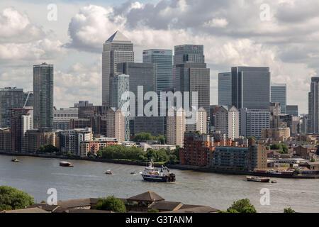 London, UK. 15th June, 2016. Flotilla of British fishermen led by UKIP leader Nigel Farage passes Canary Wharf business - Stock Photo