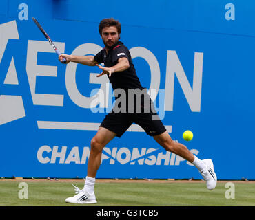 Queens Club, London, UK. 15th June, 2016. Aegon Queens Tennis Championships Day Three. Gilles Simon (FRA) in his - Stock Photo