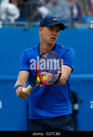Queens Club, London, UK. 15th June, 2016. Aegon Queens Tennis Championships Day Three. Kyle Edmund (GBR) in his - Stock Photo