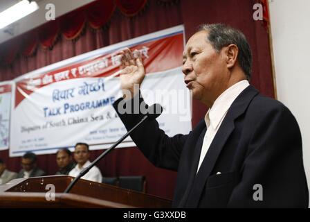 Bhaktapur, Nepal. 15th June, 2016. Chairman of the Nepal Workers and Peasants Party Narayanman Bijukchhe speaks - Stock Photo