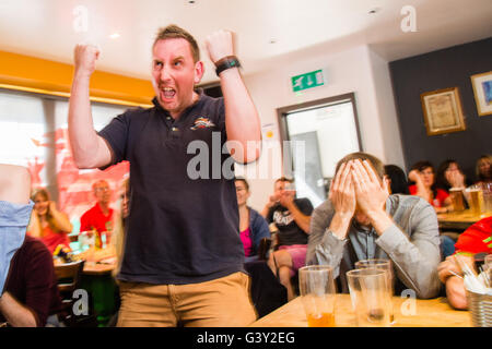 Aberystwyth, Wales, UK. 16th June, 2016. EURO 2016: A brave English supporter, Paul McCann,  celebrates his team's - Stock Photo