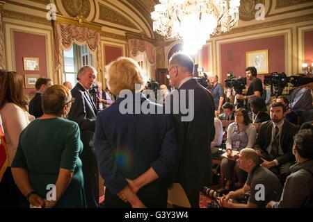 Washington, United States Of America. 16th June, 2016. U.S Senator Ed Markey of Massachusetts joined by other Democratic - Stock Photo