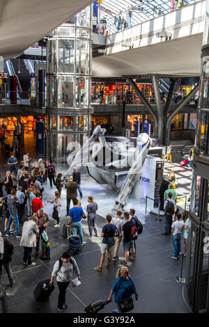 Promotion campaign for the new independence day 2 movie at Hauptbahnhof in Berlin, Germany - Stock Photo