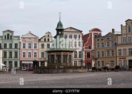Water art in the market square, Wismar, Mecklenburg-Western Pomerania - Stock Photo