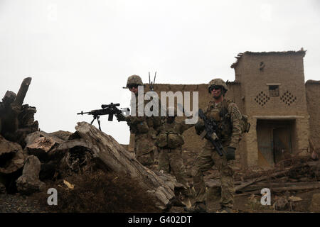 U.S. Army soldiers provide security in Afghanistan. - Stock Photo
