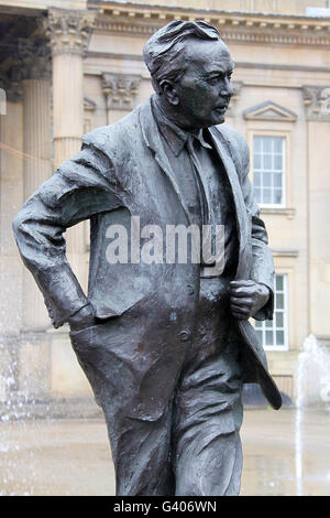 Statue outside Huddersfield  Station of Labour politician and former Prime Minister Harold Wilson who was born in - Stock Photo