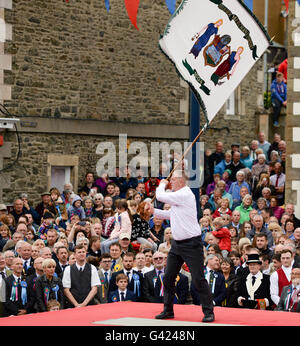 Selkirk, Scottish Borders, UK. 17 Jun 2016.  Casting the Colours  Selkirk Common Riding commemorates how, after - Stock Photo