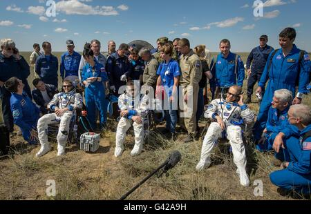 Zhezkazgan, Kazakhstan. 18th June, 2016. International Space Station crew from Expedition 47 rest moments after - Stock Photo
