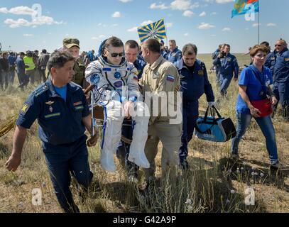 Zhezkazgan, Kazakhstan. 18th June, 2016. International Space Station crew from Expedition 47 Russian cosmonaut Yuri - Stock Photo