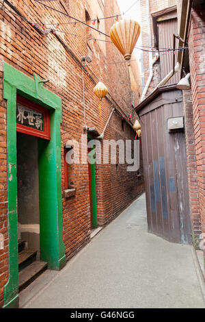 Fan Tan alley, Victoria, Vancouver Island, British Columbia, Canada. This popular street has featured in many mainstream - Stock Photo