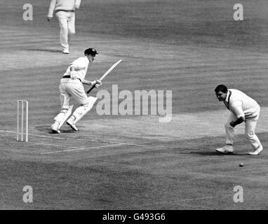 Cricket - Australia in British Isles 1968 - MCC v Australia - Second Day - Lord's - Stock Photo