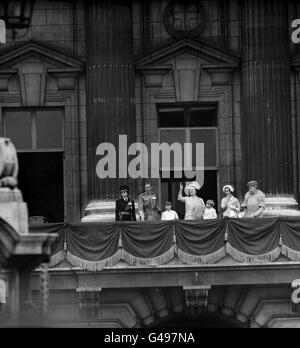 Royalty - Trooping the Colour - Buckingham Palace - Stock Photo