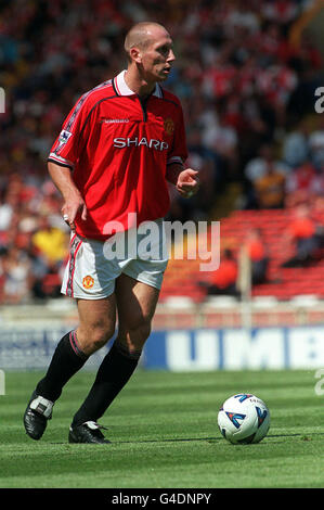 THIS PICTURE CAN ONLY BE USED WITHIN THE CONTEXT OF AN EDITORIAL FEATURE. PA NEWS 9/8/98 MANCHESTER UNITED'S JAAP - Stock Photo