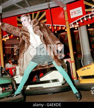 Fashion - Twiggy - Bertram Mills Circus - Stock Photo