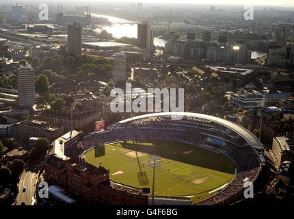 Cricket - npower Fourth Test - Day Three - England v India - The Kia Oval - Stock Photo