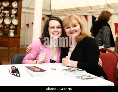 Heroes at Highclere charity auction - Stock Photo