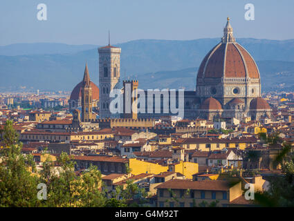 Florence, Tuscany, Italy.  View over the city to the Duomo - Cattedrale di Santa Maria del Fiore - and Campanile - Stock Photo