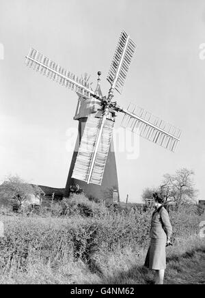 Buildings and Landmarks - Windmills - North Leverton - Stock Photo