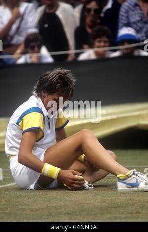 Tennis - 1984 Wimbledon Championships - Women's Singles - Anne Hobbs - All England Lawn Tennis and Croquet Club - Stock Photo
