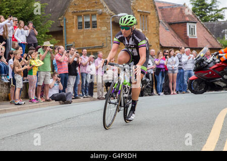 Northamptonshire, U.K. Sunday 19th June 2016. Aviva Women's Tour, stage 5. Northampton to Kettering a distance of - Stock Photo