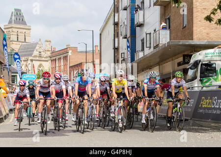 Northampton, U.K. Sunday 19th June 2016. Aviva Women's Tour, stage 5. Start. Towcester rd, Northampton and finishing - Stock Photo