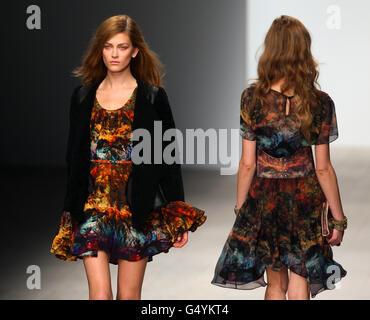 Felder Felder Catwalk - London Fashion Week - Stock Photo