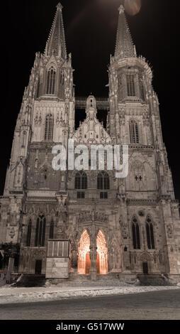 Winter night in Regensburg – Dom St. Peter - Stock Photo