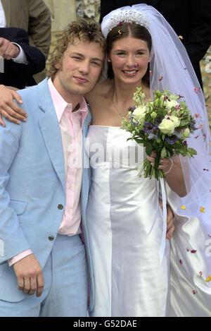 Jamie Oliver wedding bride hug - Stock Photo