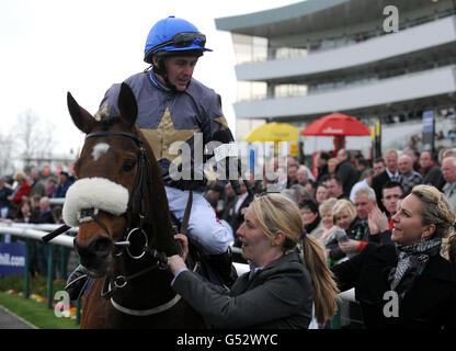 Horse Racing - William Hill Lincoln Meeting - Day One - Doncaster Racecourse - Stock Photo
