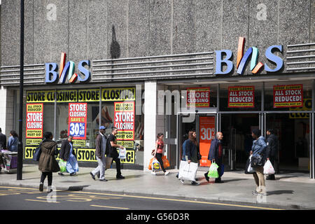 Wood Green, London, UK. 20th June, 2016. The BHS  (British Home Stores) store in Wood Green is closing down with - Stock Photo