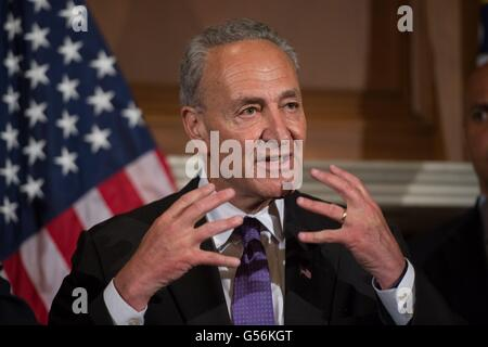 Washington, United States Of America. 20th June, 2016. U.S Senator Chuck Schumer of New York joined by other Democratic - Stock Photo