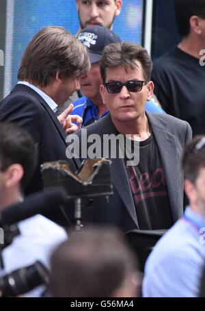 New York, NY, USA. 21st June, 2016. Charlie Sheen out and about for Celebrity Candids - TUE, New York, NY June 21, 2016. © Derek Storm/Everett Collection/Alamy Live News