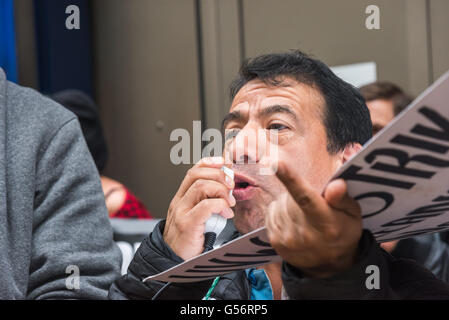 London, UK. June 21th, 2016. Victor, one of the cleaners at the 100 Wood St offices have speaks at the rally on - Stock Photo