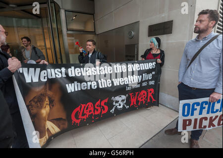 London, UK. June 21th, 2016. Class War hold their banner in support of the cleaners belonging to the United Voices - Stock Photo