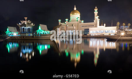 Long exposure Sultan Omar Ali Saifuddin Mosque in Bandar Seri Begawan, Brunei. - Stock Photo