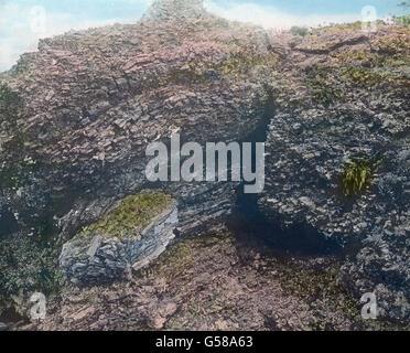 Stellenweise entwickeln sich im Hochgebirge seltsame Felsen zu Gruppen von großer Eindringlichkeit. An Gegenden - Stock Photo