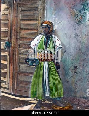 Ein Mädchen aus dem Berber-Volk der Kabylen.   Marokko, Morocco, Africa, Northern, Maghreb, Maghrib, travel, 1910s, - Stock Photo