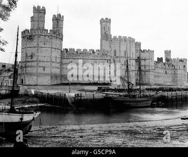Buildings and Landmarks - Caernarvon Castle - Wales - Stock Photo