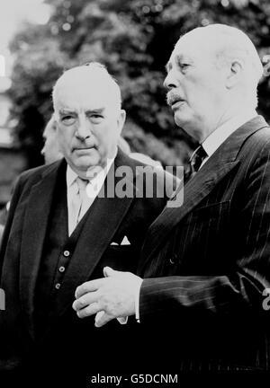 Politics - 1962 Commonwealth Prime Minister's Conference - Harold Macmillan and Robert Gordon Menzies - London - Stock Photo