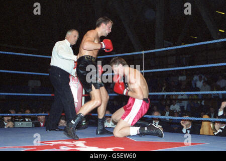 Boxing - Light Middleweight - Shaun Cummins v Terry Morrill - National Sports Centre, Crystal Palace, London - Stock Photo